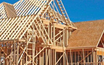Какви са предимствата на профилиран дървен материал с естествена влага пред други строителни материали?